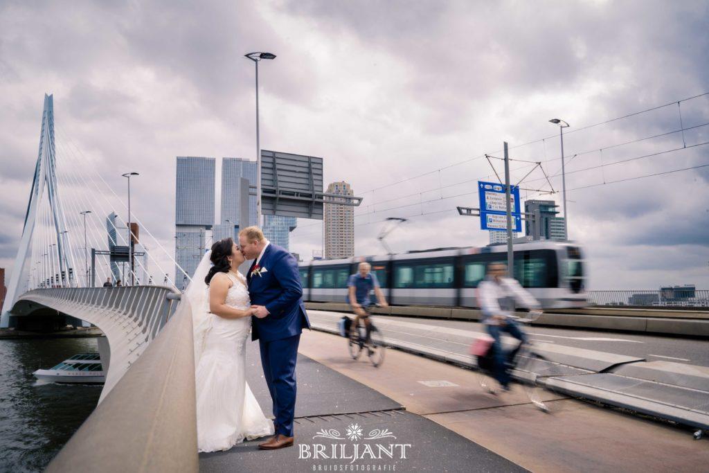 Erasmusbrug bruidspaar